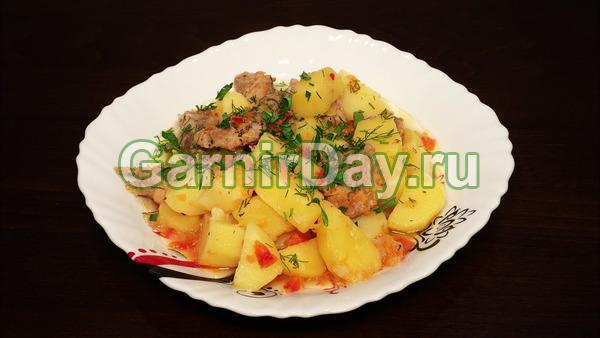 Сытный тушеный картофель с мясом