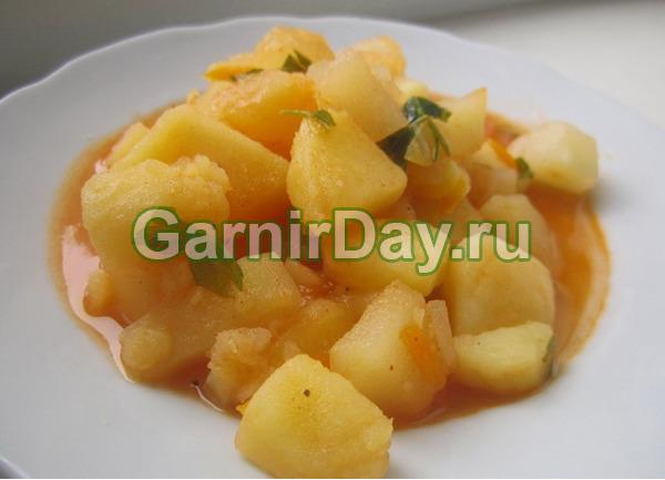 Простой картофель в томате