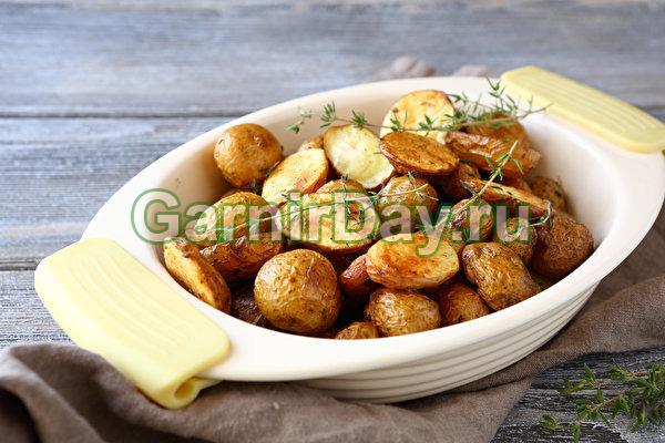 Запеченная целиком картошка в духовке с сыром