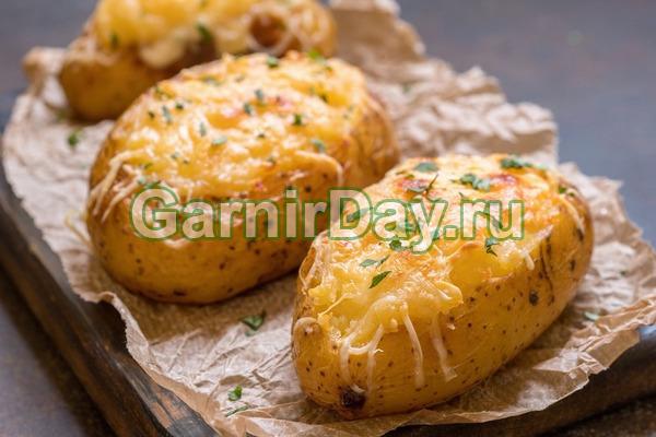 Картофельные лодочки в духовке с плавленым сыром