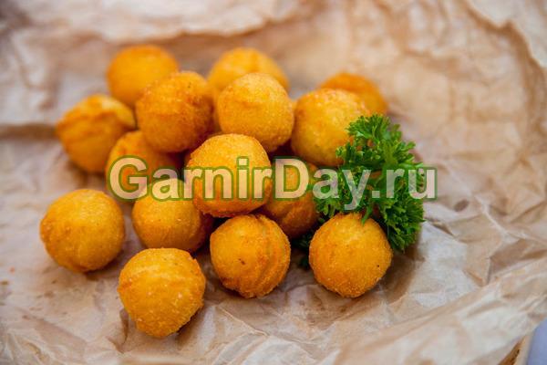 Картофельные крокеты с сыром, запеченные в духовке