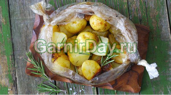 Картофель в рукаве – классический рецепт