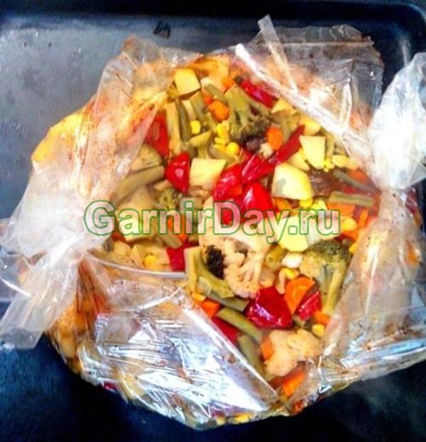 Картофель в рукаве с овощами
