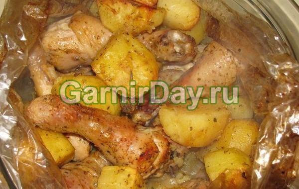 Картошка в рукаве с курицей