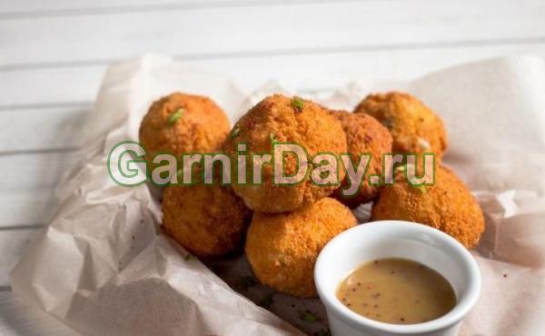 Картофельные шарики во фритюре с брынзой
