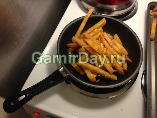 Картофель фри на сковородке – просто и удобно